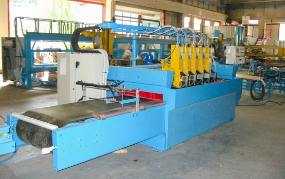 Cross cutting machine at1001N