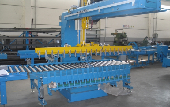 Loading and unloading systems for strips ROBP61i